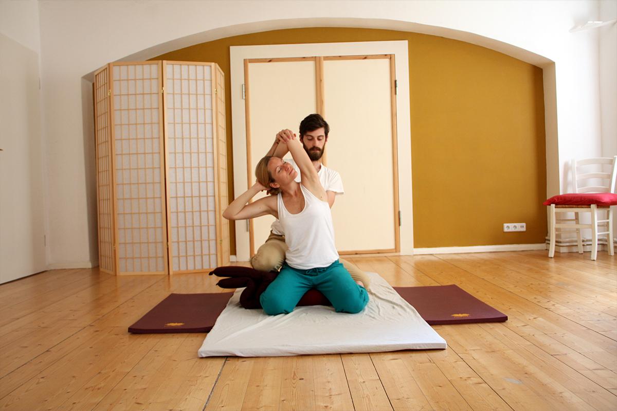 berlin massage et yoga good morning berlin. Black Bedroom Furniture Sets. Home Design Ideas
