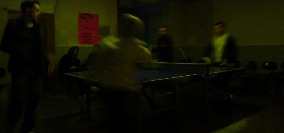 Faire du ping-pong dans les bars à Berlin