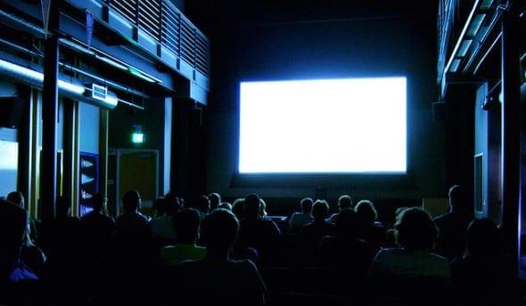 Délit de fuite: cinéma clandestin