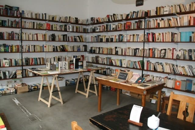 Raum B, librairie et plus encore