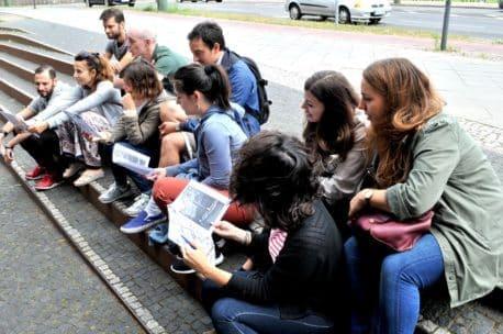 Une équipe de salariés en voyage professionel à Berlin
